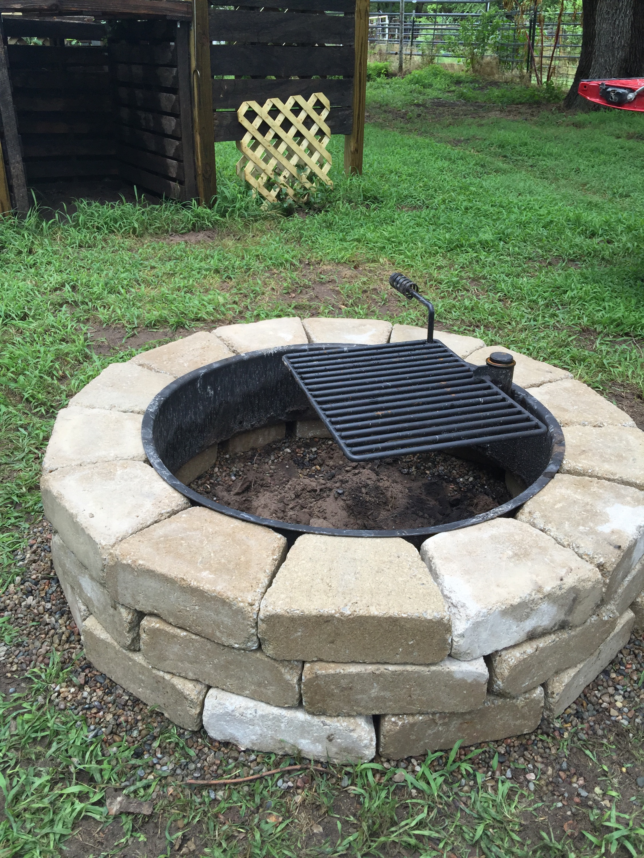 Fire pit area owl 39 s corner cabin cottage in the country for Gravel around fire pit